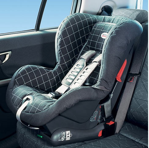 Per promulgan ley que obliga usar sillas para beb s en for Silla para ninos carro