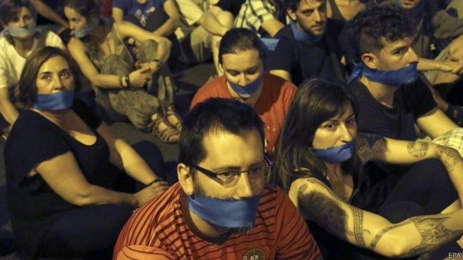 """5 acciones que se castigarán en España con la nueva """"Ley Mordaza"""""""