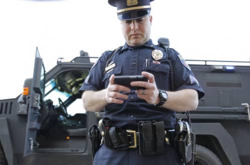 Argentina, celulares y policías