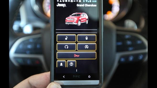 Dos hackers muestran cómo tomar el control de un coche desde cualquier lugar