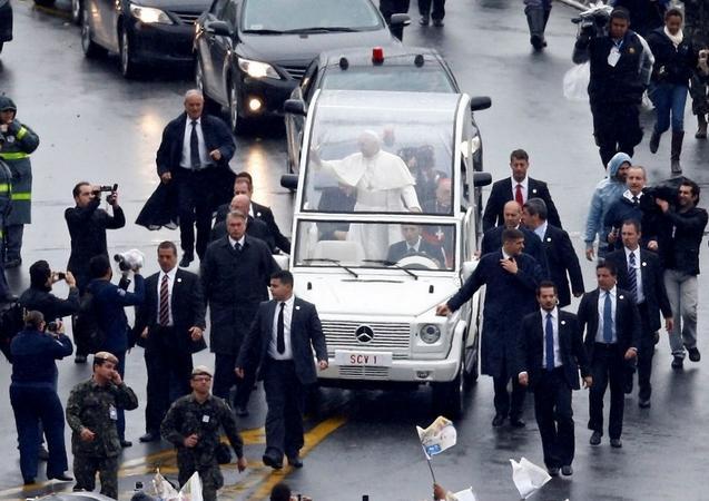 Prohíben drones y palos de selfi en la visita del papa a EEUU