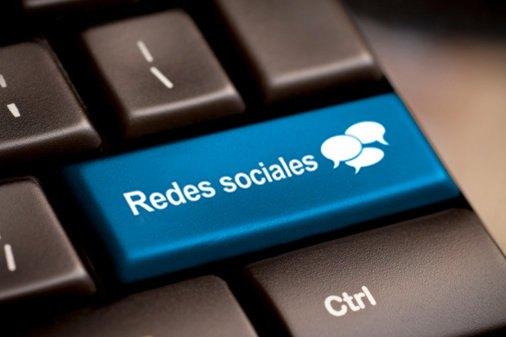 Colombianos vigilan a víctimas en redes