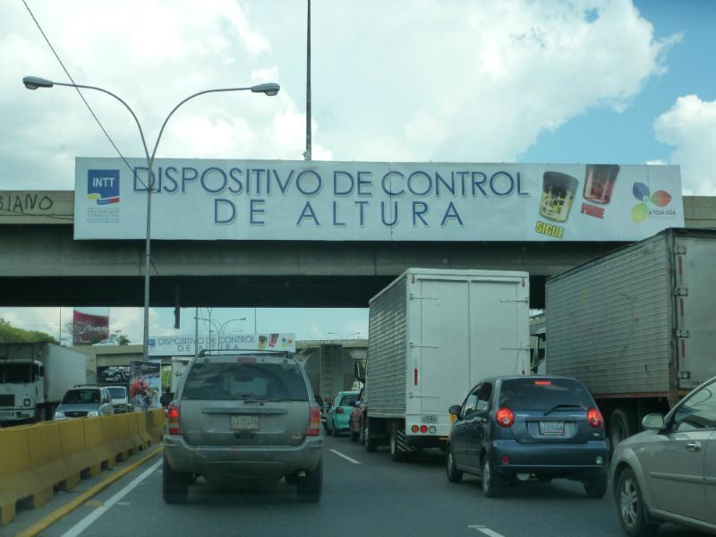 Activarán perímetro de seguridad para demolición del puente Los Ruices