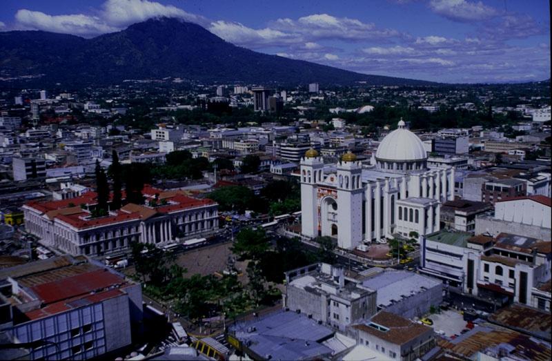 El alcalde que lucha contra las pandillas en El Salvador